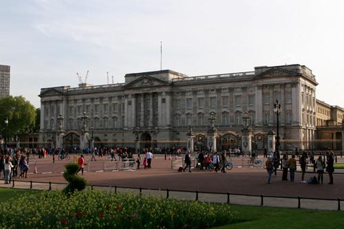 Buckingham-Palace-2