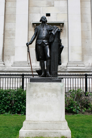 George-Washington-statue-outside-National-Gallery
